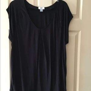 Black sleeveless top from Old Navy.